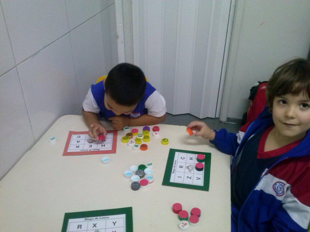 23f7608a7 ... e associação das letras do alfabeto pelos alunos