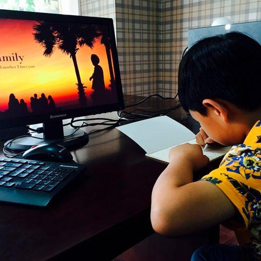 Atividades extracurriculares online ajudam a desenvolver autonomia para além da sala aula